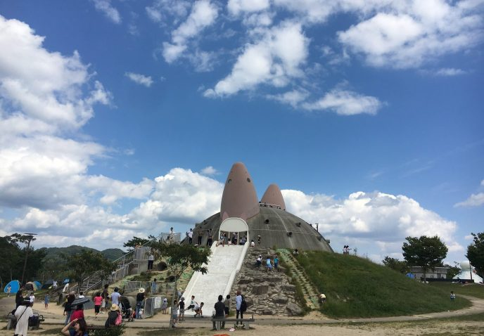 こども大喜び。有馬富士公園のあそびの王国で、デイキャンプ気分?!